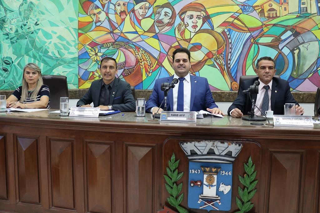 Farid Afif preside a 40ª sessão ordinária da Câmara Municipal de Ponta Porã