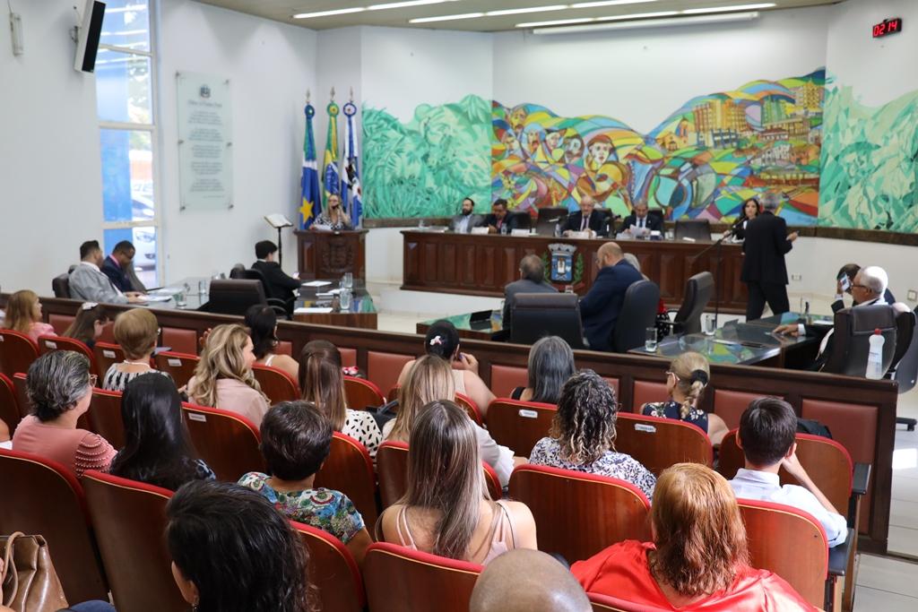 Vereadores de Ponta Porã aprovam reajustes salariais para os servidores municipais